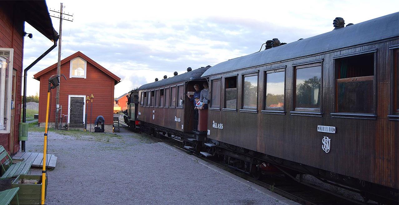 Tågmöte i Bärby på ULJ 10 september 2016 - Foto: Anders Svensson