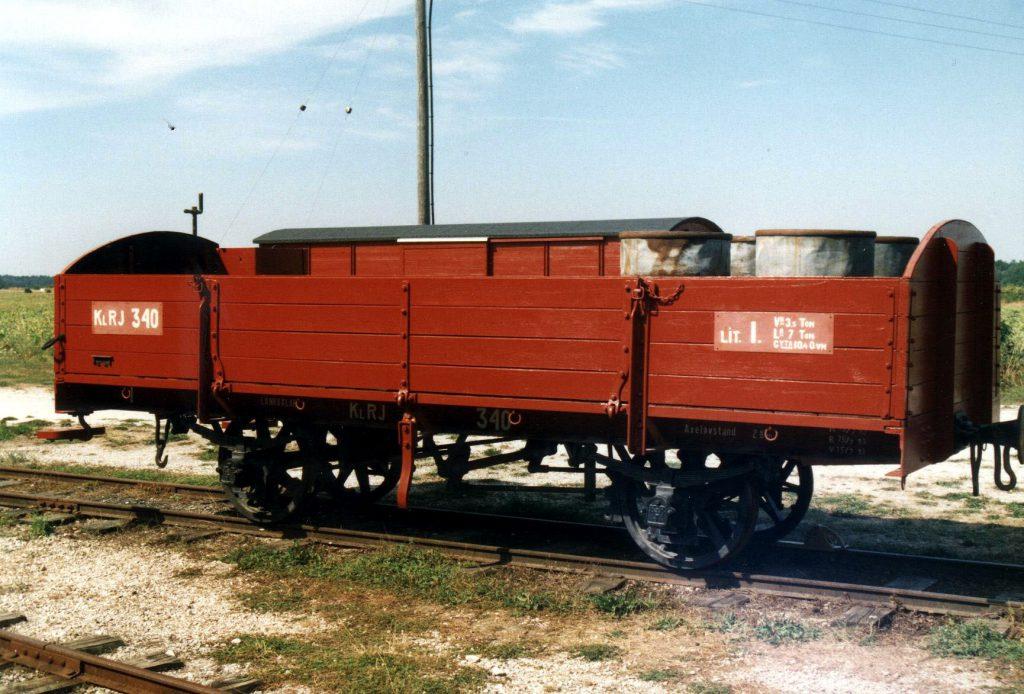 KlRJ I 340. Nyrenoverad på Hesselby den 3 sept. 2002