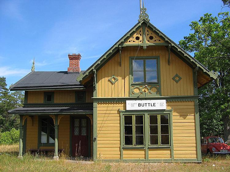 Den kulturminnesmärkta Buttle station. Vy norrut mot Viklau.Foton: Timmy Brolin.